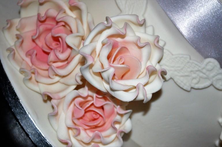 ellen sugar roses