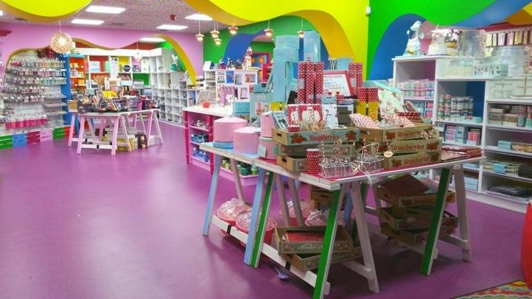 decobake inside store